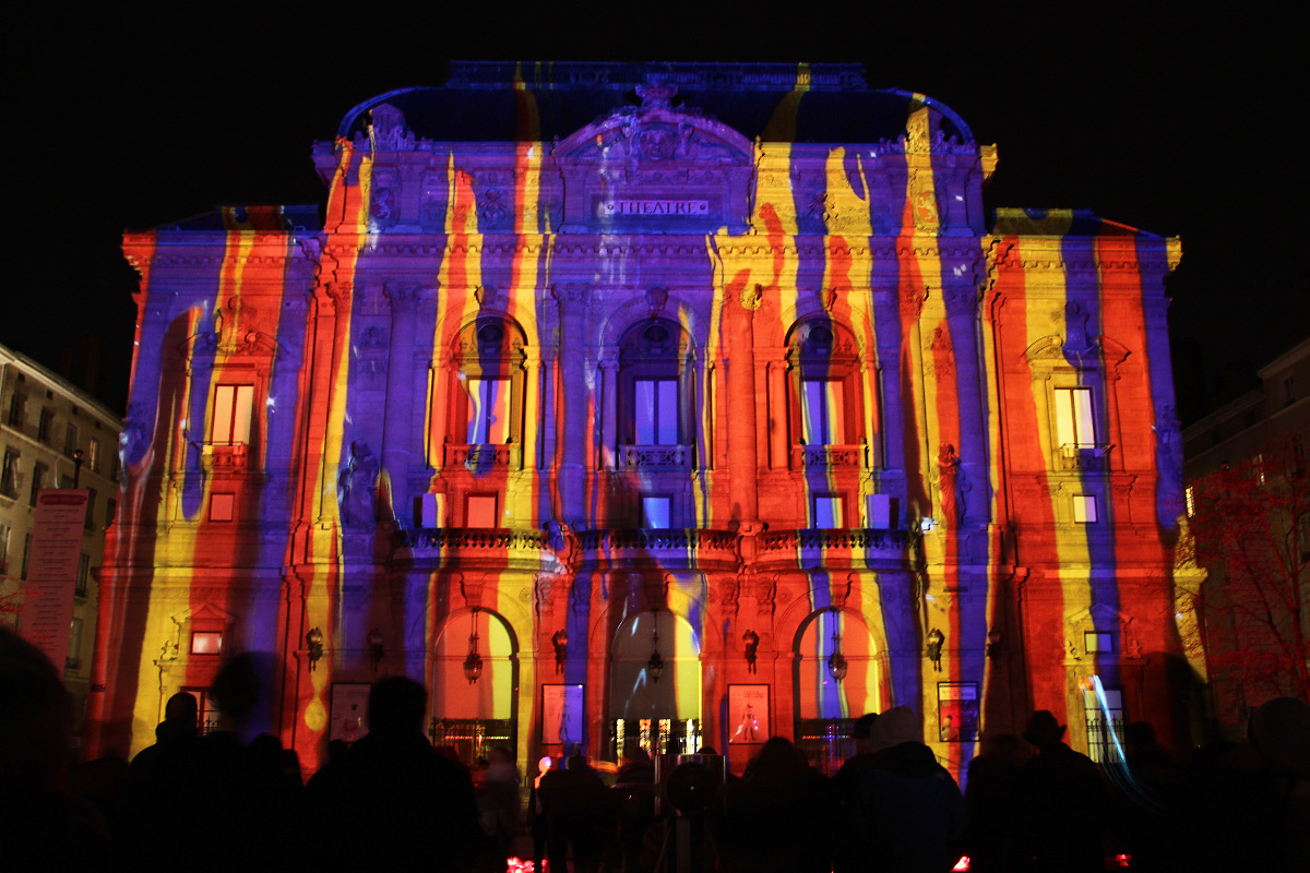 Lumières archipicturales, détail, Laurent Langlois, Théâtre des Célestins, Lyon, Fête des Lumières 2012, photo : Vincent Laganier