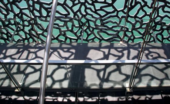 Passerelle périphérique du MuCEM, Marseille - Architecte : Rudy Ricciotti - Photo : Vincent Laganier