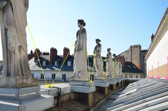 Implantation lumière en toiture et au pied des muses, théâtre Graslin, Nantes, France – Illustration : Virginie Voué, Luminescence