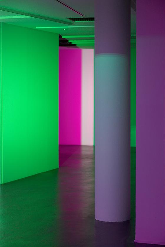 L'épaisseur-de-la-lumière-2013,-Nathalie-Junod-Ponsard,-Fondation-EDF,-Paris,-France---Photo004-Laurent-Lecat