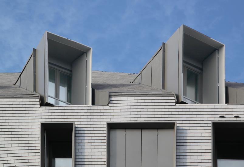 Façade Nord, détail lanterneaux en toiture, logements sociaux, Paris, France - Fresh architectes - Photo Vincent Laganier