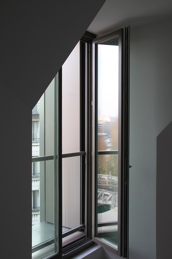 Façade Est, détail intérieur d'une baie, logements sociaux, Paris, France - Fresh architectes - Photo Vincent Laganier