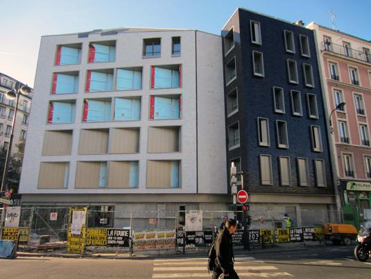 Façade Nord durant le chantier, logements sociaux, Paris, France - Fresh architectes