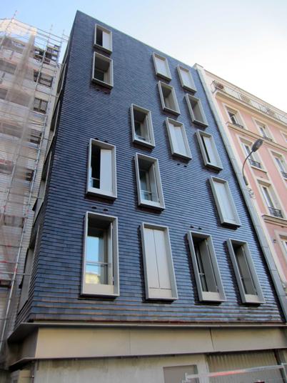 Façade Nord, gris foncé, logements sociaux, Paris, France - Fresh architectes