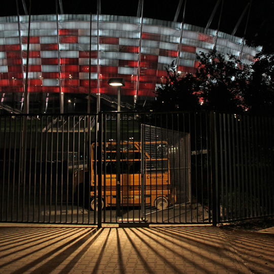 Stade National, vue devant l'édifice, nuit, Varsovie, Pologne – Architectes JSK, GMP, SBP - Photo 2 Vincent Laganier