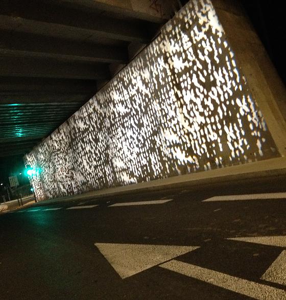 Transport-en-commun-en-site-propre,-axe-Nord-Sud,-Nimes,-France---Conception-lumière-et-photo-6-Cote-Lumiere-