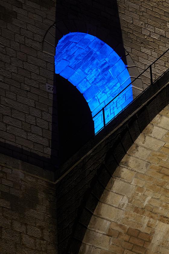Détail des arches hautes, mise en lumière du viaduc de Chaumont, Haute-Marne, France – Conception lumière : Jean-François Touchard – Photo : Didier Boy de La Tour