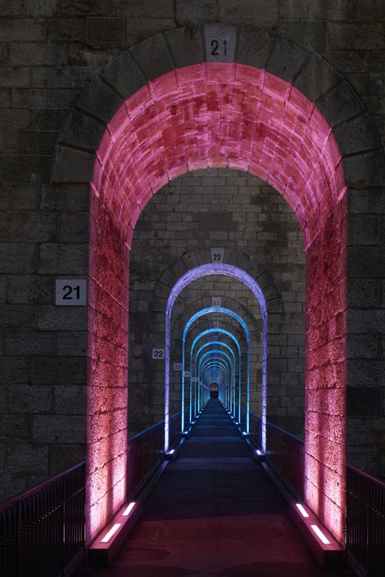 Promenade, mise en lumière du viaduc de Chaumont, Haute-Marne, France – Conception lumière : Jean-François Touchard – Photo : Didier Boy de La Tour