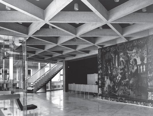 Construction du bâtiment en 1966 - Hall d'accueil du RDC © Archives Thonon-les-Bains